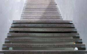 מדרגות חיצוניות לבית